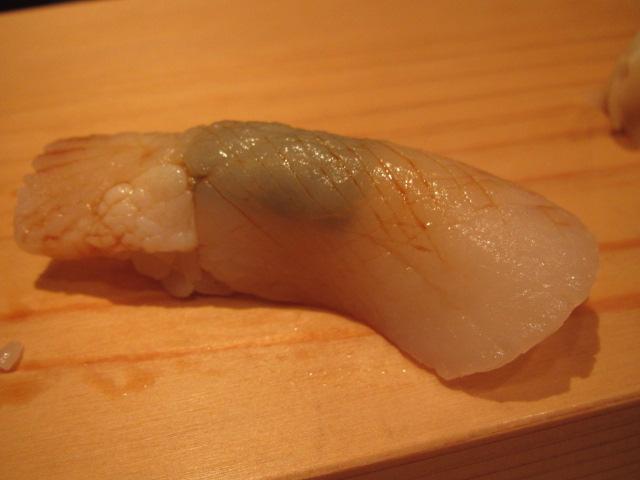 おいしいお寿司でお連れの方も笑顔に!「浜源」
