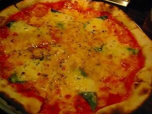 窯焼きピザが500円!