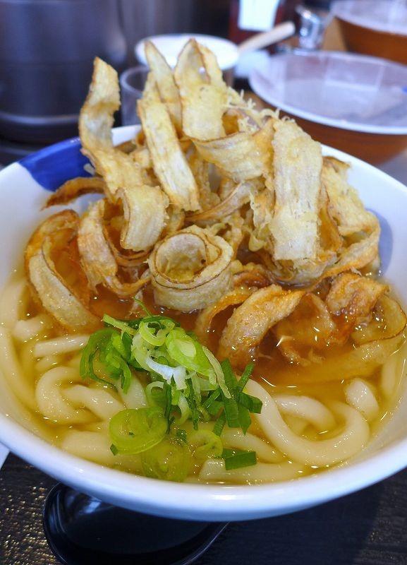 博多ならではの料理と美味しく飲み続けられる工夫が施されたレモンサワー「博多うどん酒場イチカバチカ」