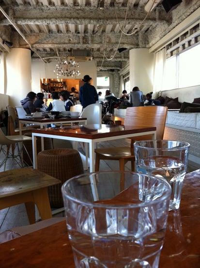 中目黒の電源カフェ