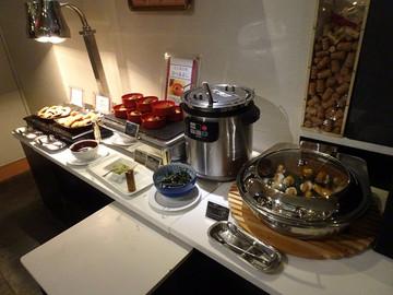 世界だけでなく日本のおいしいものも食べられるオーキッドガーデン
